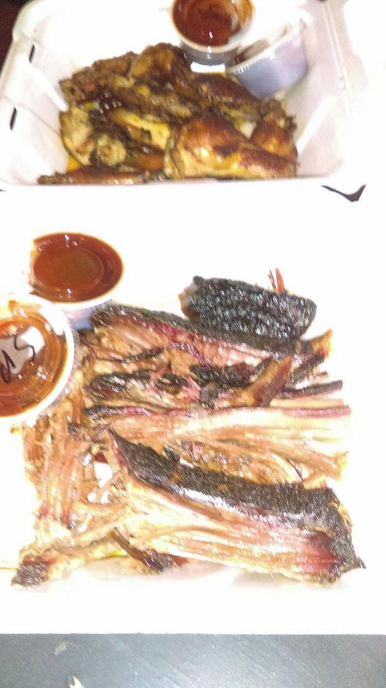 Food from Harleys Hardwoodz BBQ