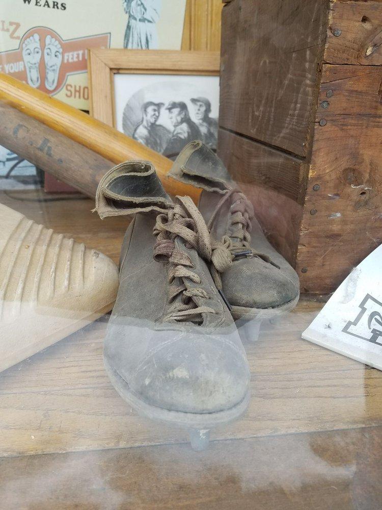 Jumper's Shoe Service: 106 E Main St, Mechanicsburg, PA