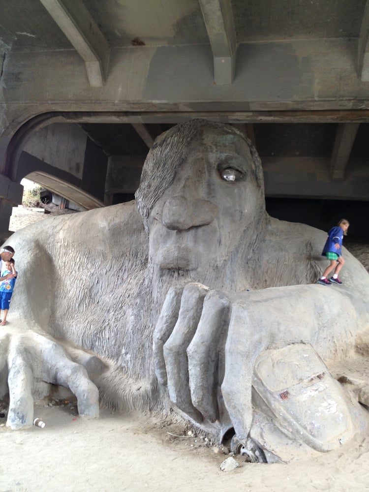 Restaurants Near Fremont Troll