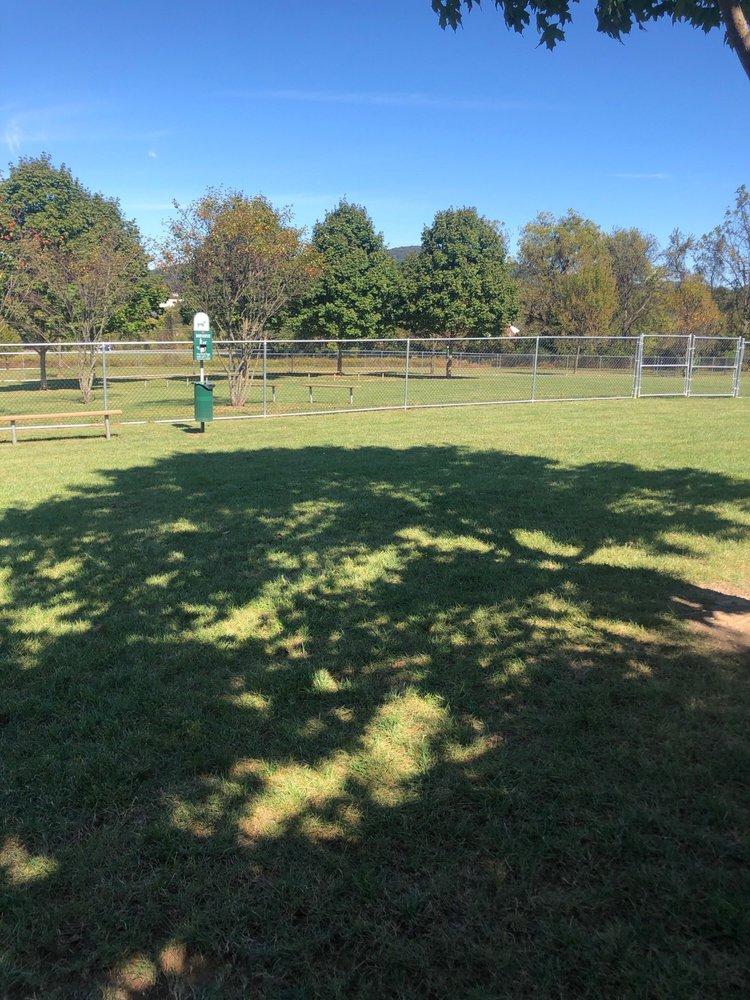 Polk Valley Dog Park: 2068 Polk Valley Rd, Hellertown, PA