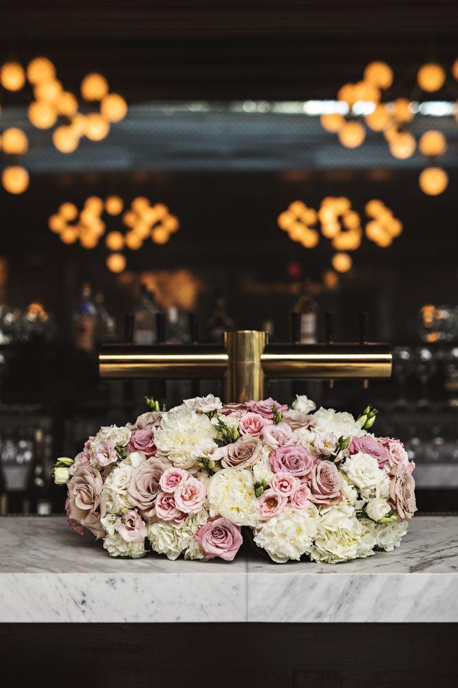 Diva Flowers: 1077 Willis Ave, Albertson, NY