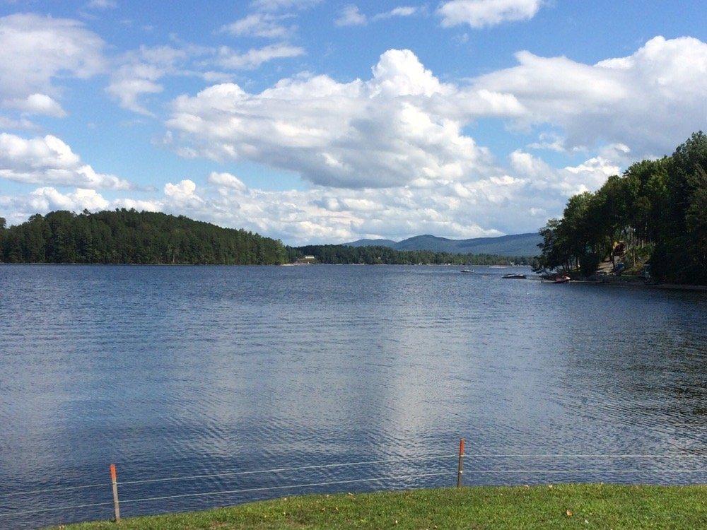 Lakefront Inn & Resort: 127 Cross St, Island Pond, VT
