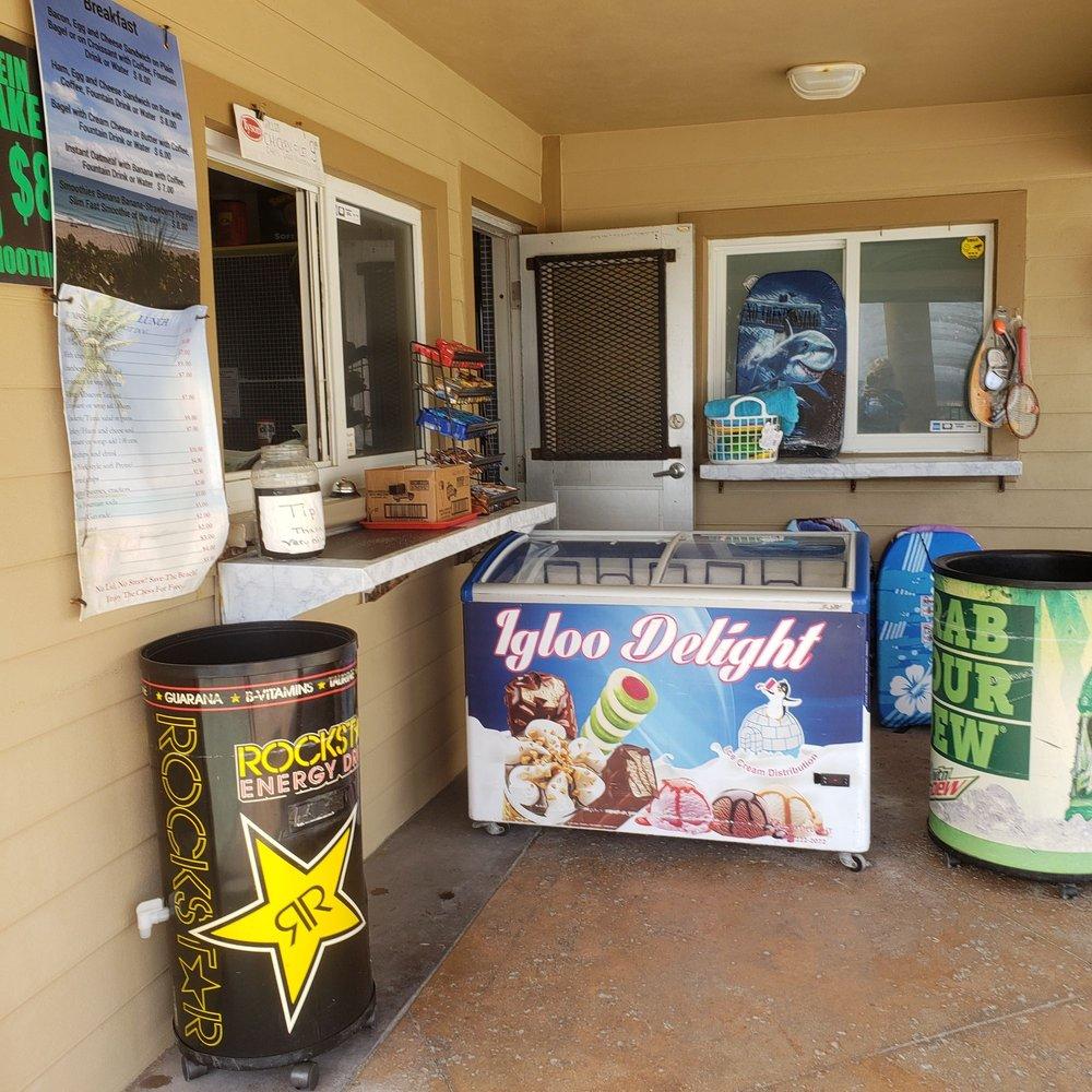 Boynton Beach Snack Bar: 6415 N Ocean Blvd, Boynton Beach, FL