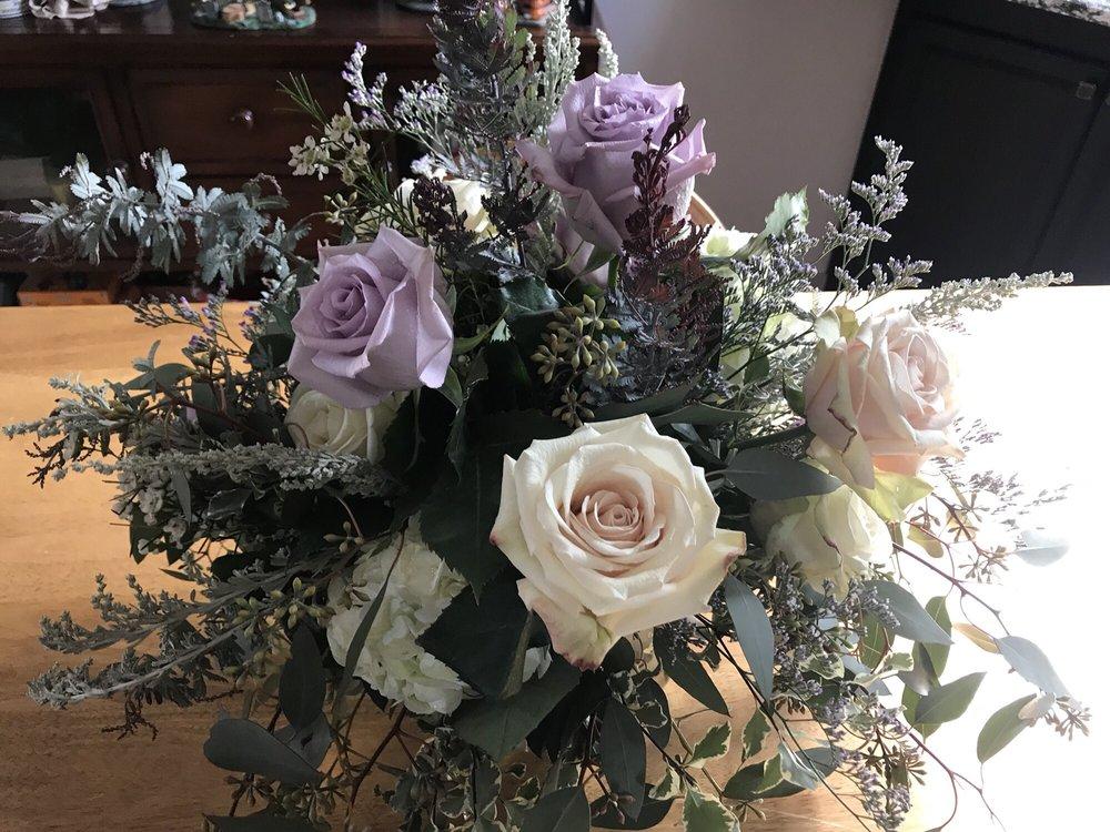 Peggy's Floral & Gift Shop: 324 Main St, Wampum, PA
