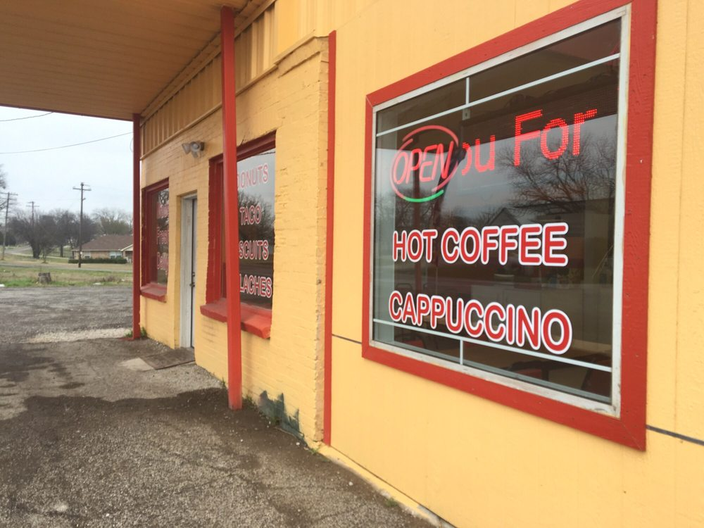 Best Donuts: 100 Texas 78 Business, Blue Ridge, TX