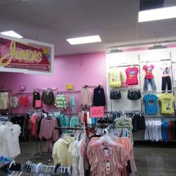 Fallas clothes store