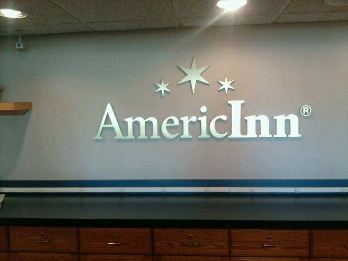AmericInn by Wyndham Webster City: 411 Closz Dr., Webster City, IA