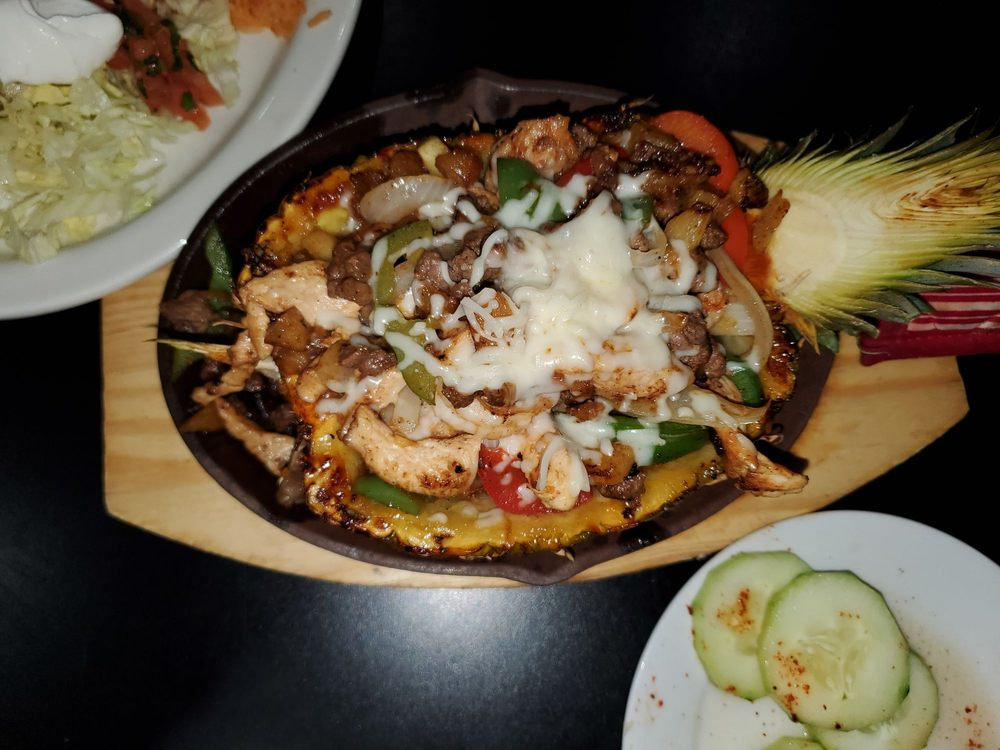 Vallarta Mexican Seafood & Grill: 9874 Linn Station Rd, Louisville, KY