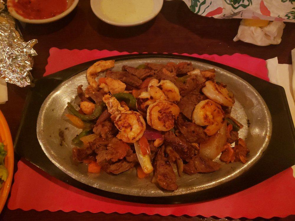 El Paso Mexican Grille: 245 S Stuart Ave, Elkton, VA