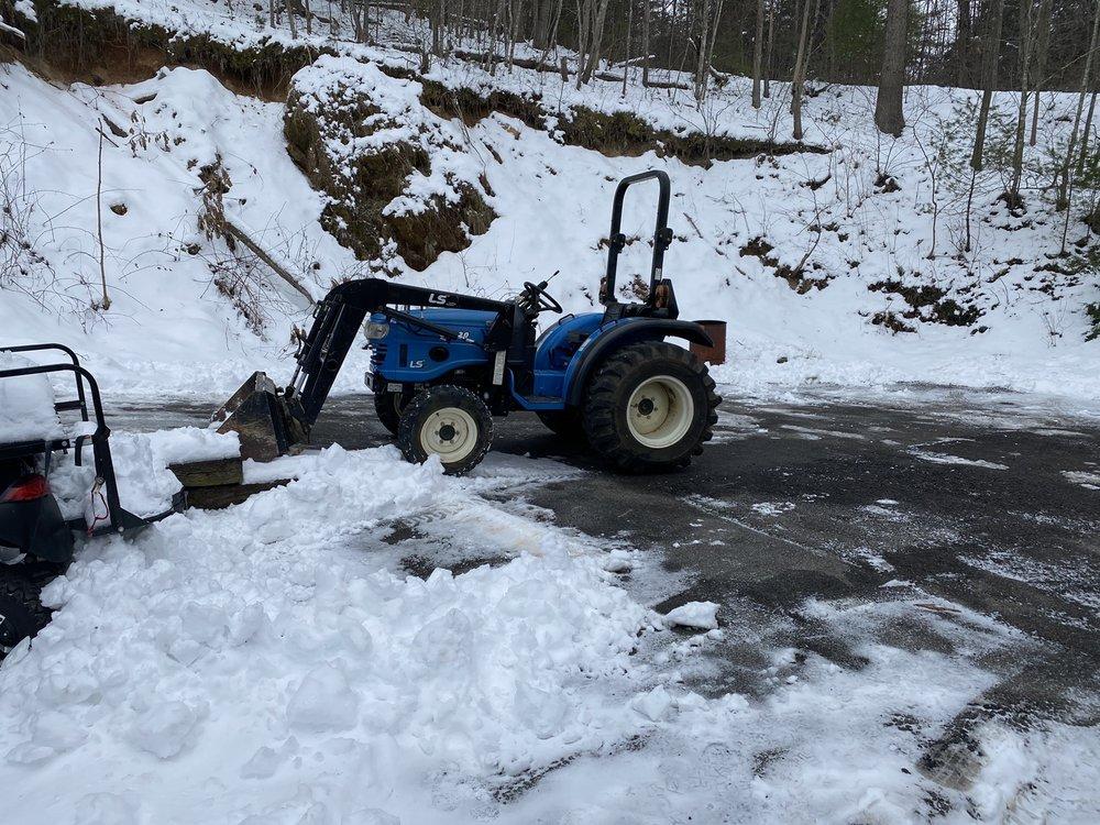 Affordable Tractors: 5313 Bagging Plant Rd, Dublin, VA