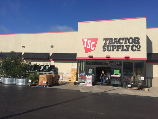 Tractor Supply 2210 S State Route 291 Independence, MO