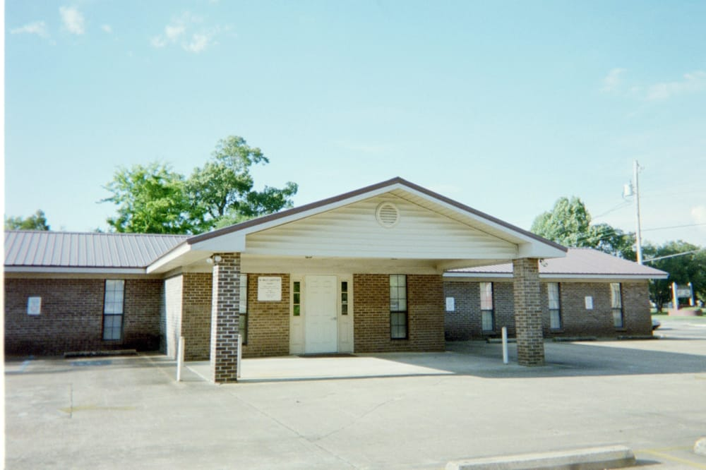 Lightfoot William E Dr: 2117 Broad St, Selma, AL