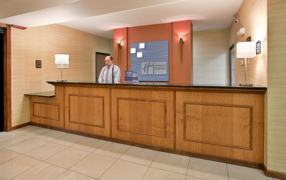 Holiday Inn Express & Suites O'fallon/Shiloh: 3396 Green Mount Crossing Dr, Shiloh, IL