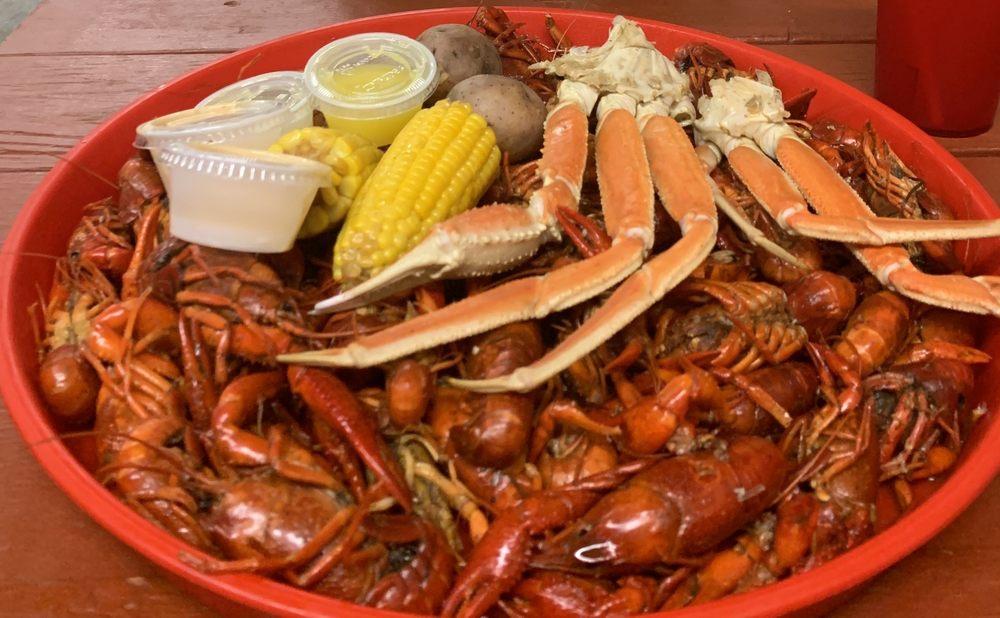 Crawfish Hideaway: 8407 N FM 565, Baytown, TX