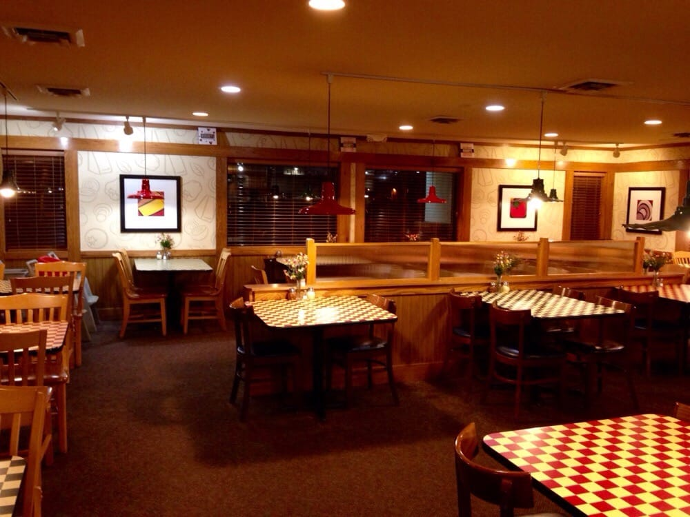 Visit your local Pizza Hut at Sam Houston Ave. in Huntsville, TX to find hot and fresh pizza, wings, pasta and more! Order carryout or delivery for quick service.