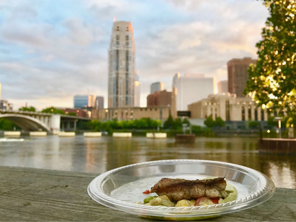 Mintahoe Catering & Events - Nicollet Island Pavilion