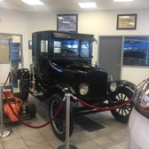 Ron Tirapelli Ford 31 Photos 47 Reviews Auto Repair 4355 W