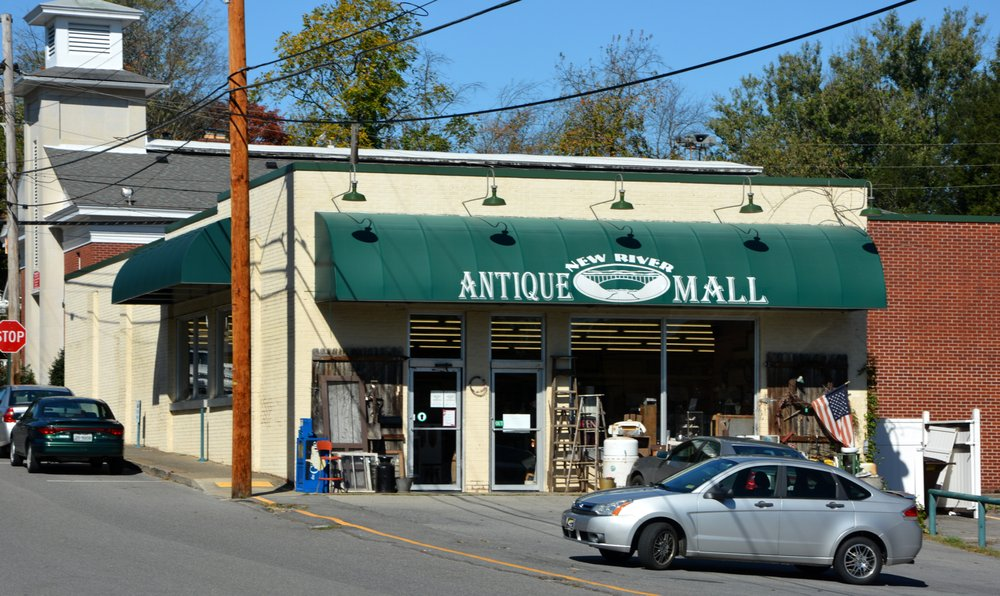 New River Antique Mall: 100 High St, Fayetteville, WV