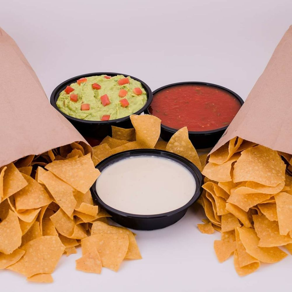 El Colonial: 336 Diederich Blvd, Russell, KY