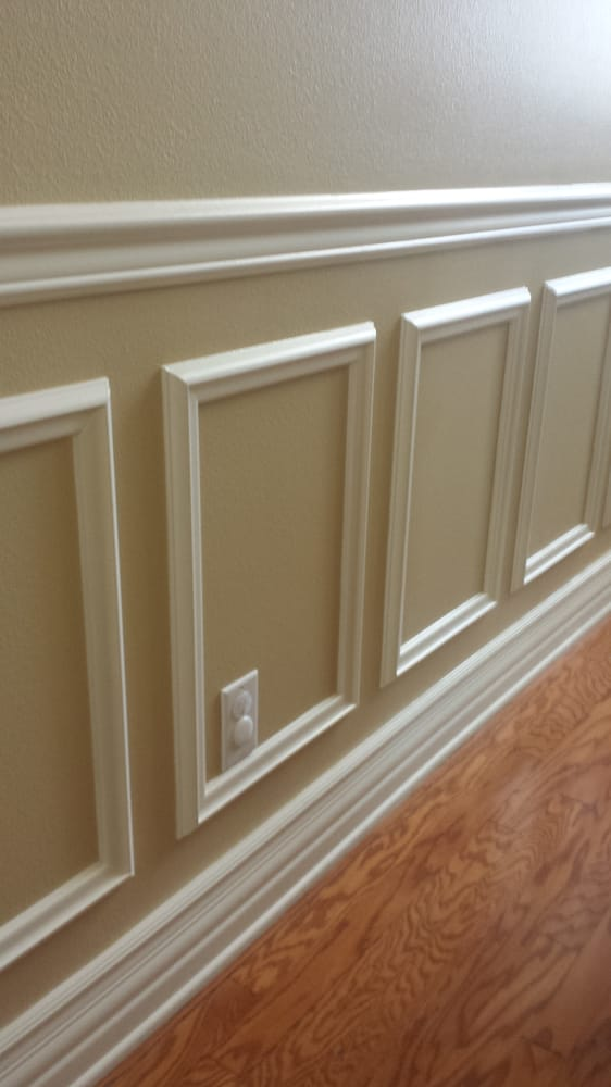Wainscoting Malaysia: Wainscoting Inside The House. Two Tone Paint Work.