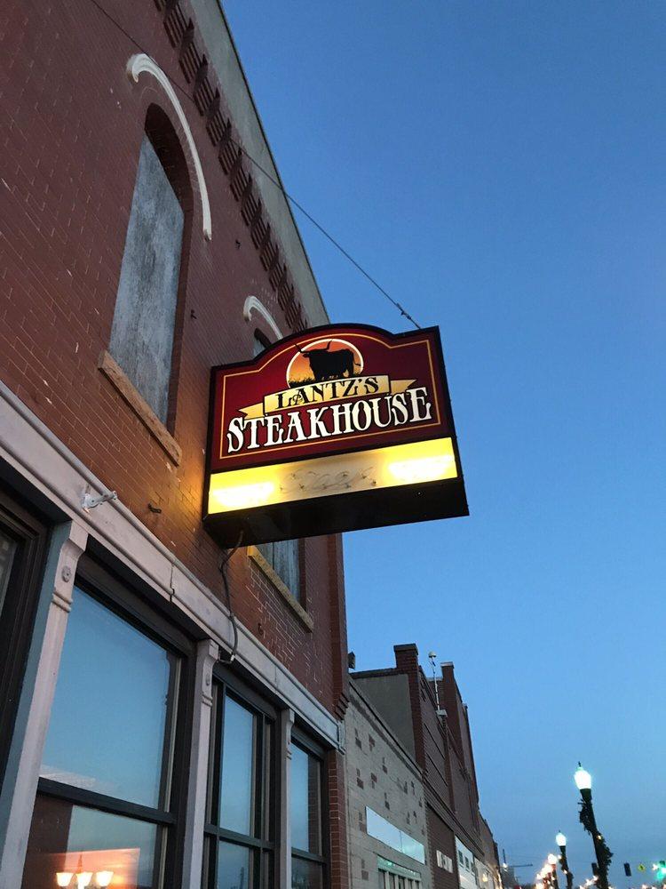 Lantz's Steakhouse: 1018 Ave E, Wisner, NE