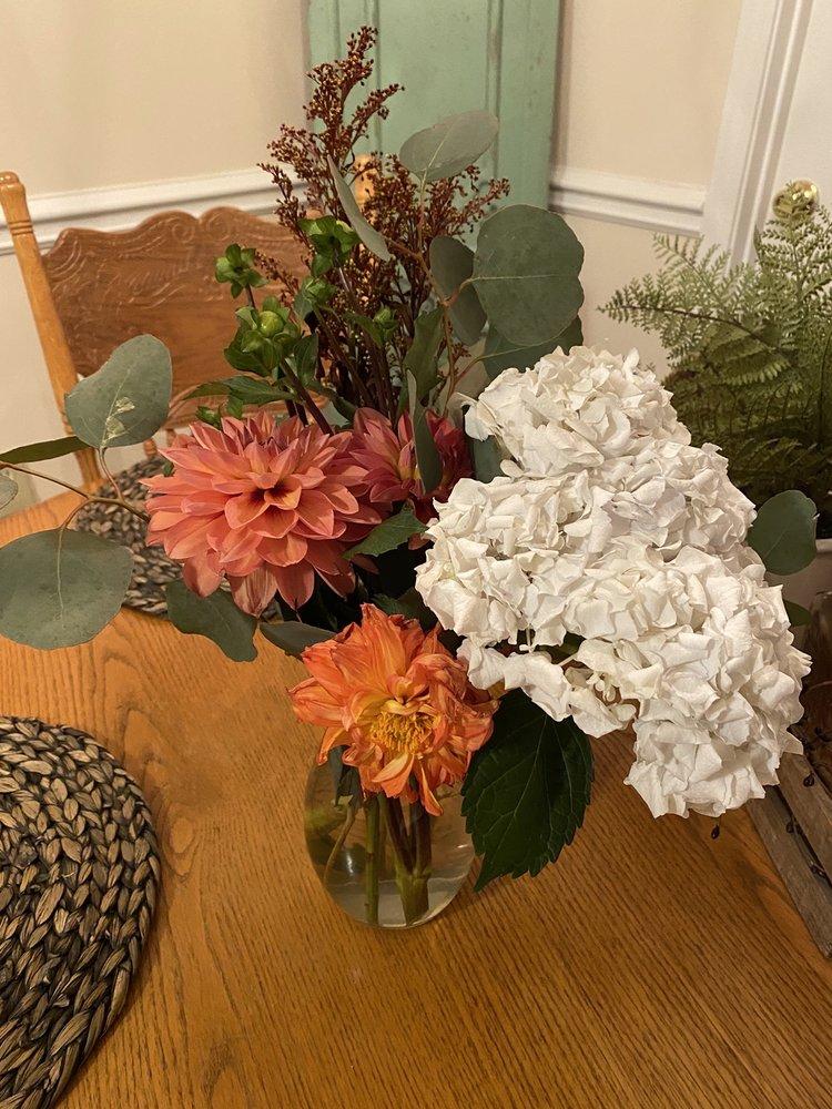 Wyoming Florist Inc: 401 Wyoming Ave, Cincinnati, OH