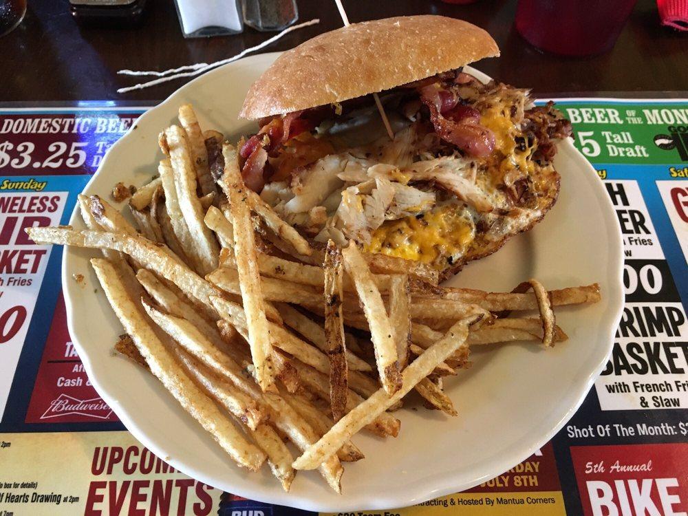 Mantua Corners Bar & Grille: 11697 State Rt 44, Mantua, OH