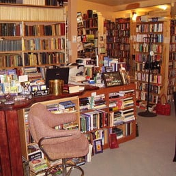 Photo Of ZBOOKZ New And Used Bookstore   St. Petersburg, FL, United States