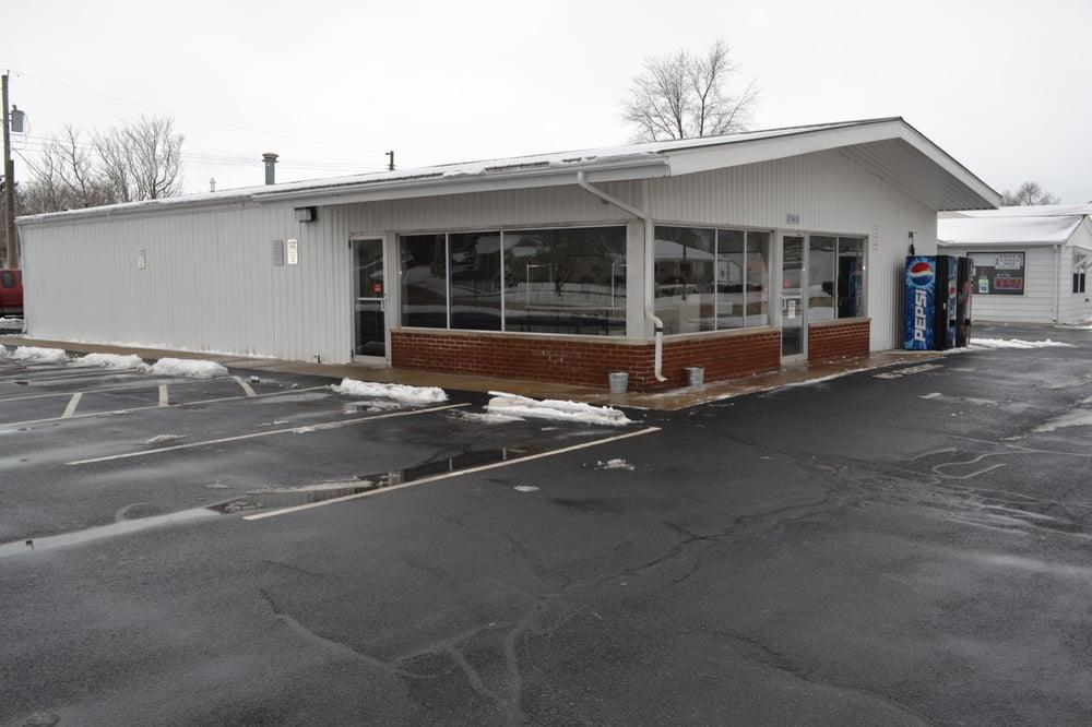 Tilton Laundry, Inc: 102 W 5th St, Tilton, IL