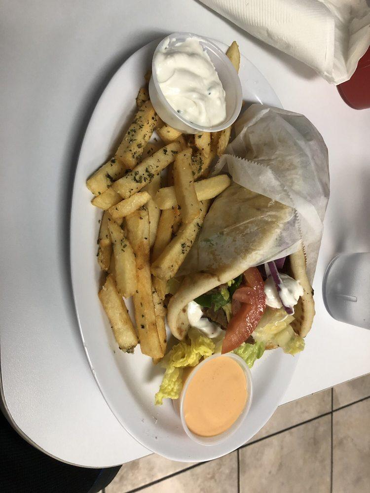 Zino's Greek & Mediterranean Cuisine: 6590 Montana Ave, El Paso, TX