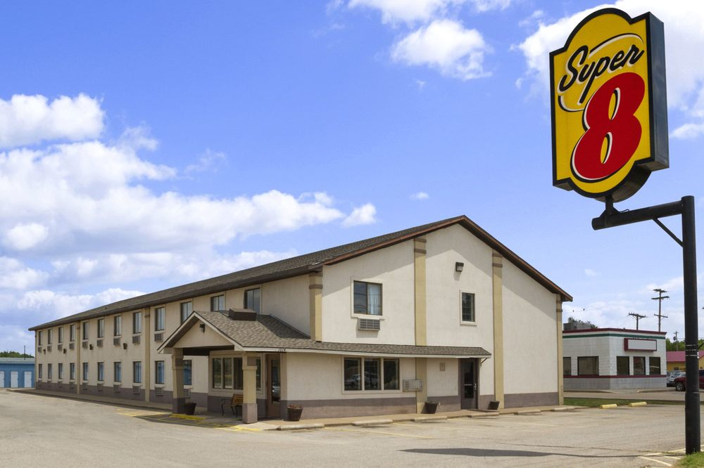 Super 8 by Wyndham Blackwell: 1014 West Doolin, Blackwell, OK