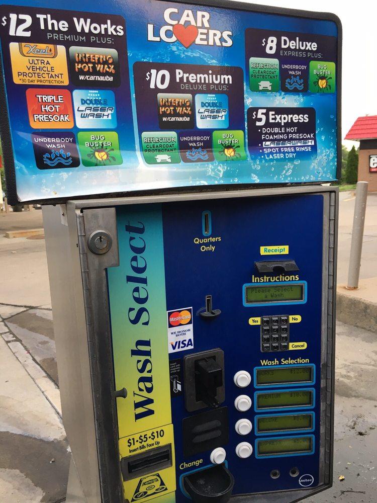 Exxon: 148 Catoctin Cir SE, Leesburg, VA