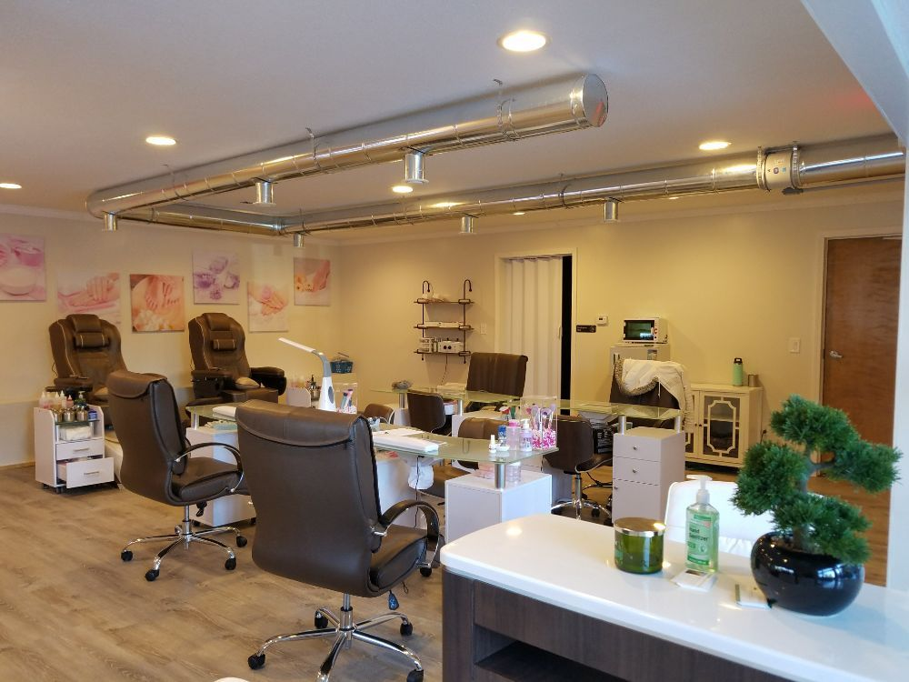 Boutique Nails and Spa: 130 Us  Hwy 64, Cashiers, NC