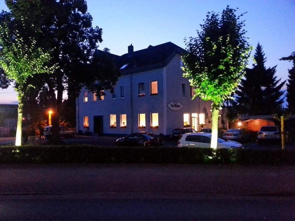 Hotel Im Winkel   Otto-Brenner-Str. 156, 33604 Bielefeld   0521 297963