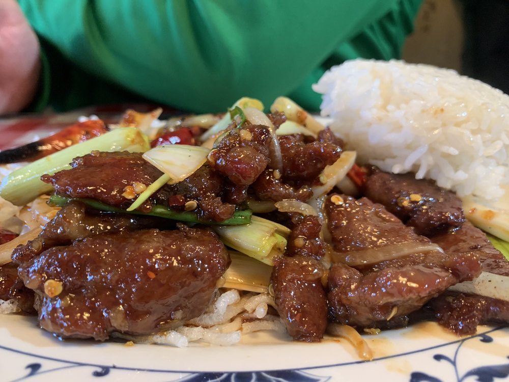 Sam and Lee's Restaurant: 1052 Kogiak St, Barrow, AK