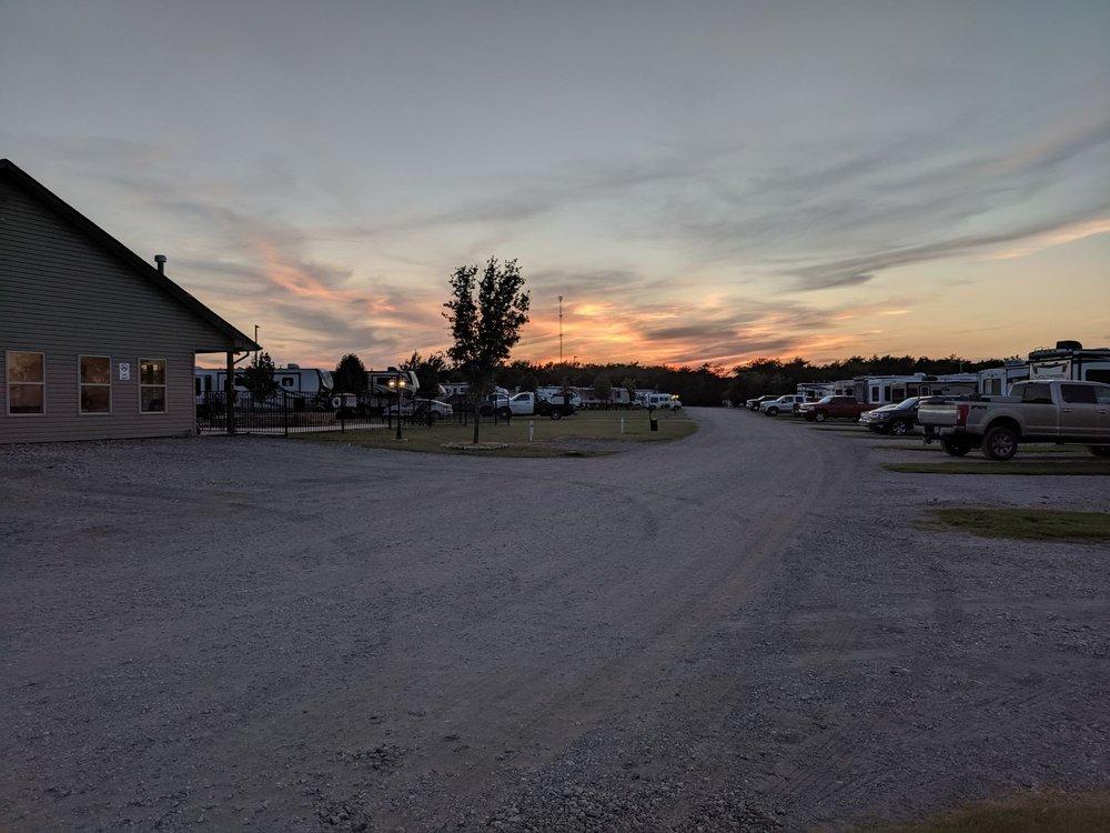 Rockin' Sunset RV: 9091 Fm 2728, Terrell, TX