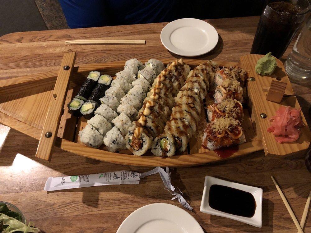 Sushi Tatsu: 5725 N Illinois St, Fairview Heights, IL