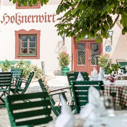 der holznerwirt hotels dorf 4 eugendorf salzburg austria rh yelp com