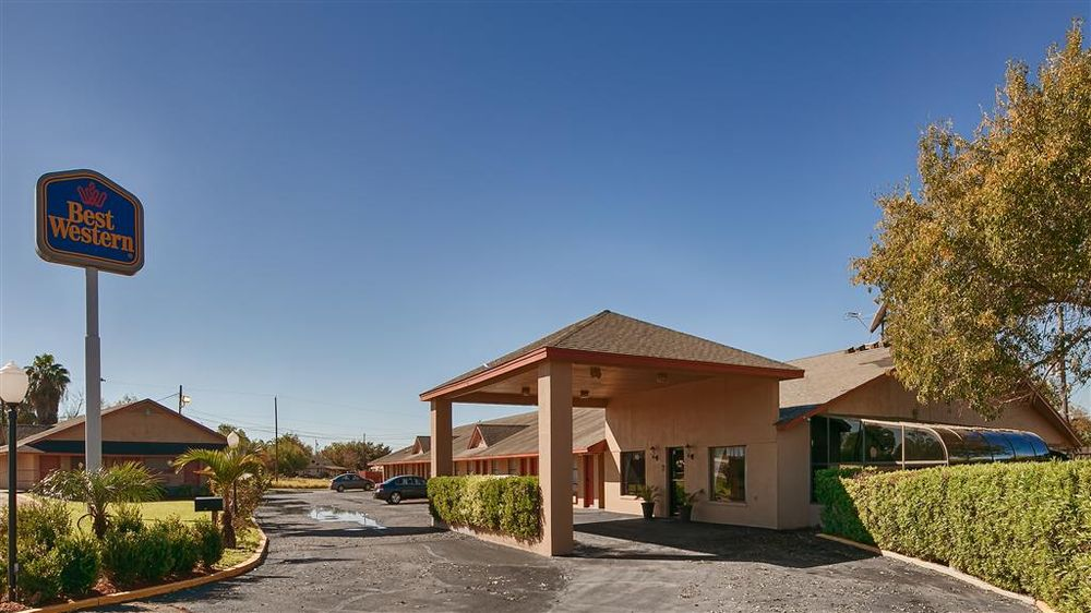 SureStay Hotel by Best Western Zapata: 1896 S US Highway 83, Zapata, TX