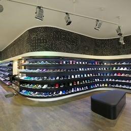 4d497caca2 Planet Sports Shoes Store München - Shoe Stores - Oberanger 24 ...