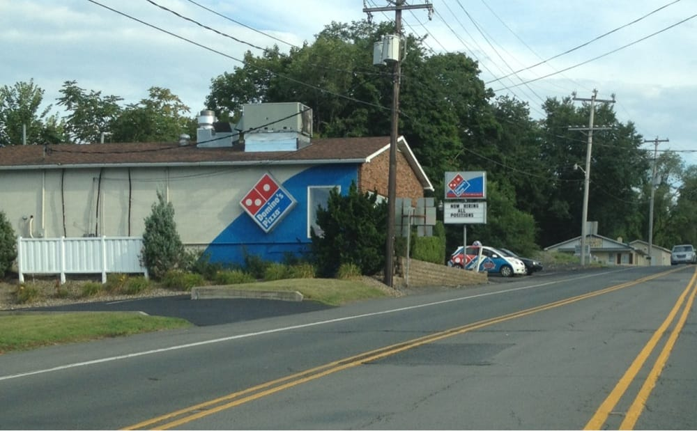 Domino's Pizza: 738 Valley St, Lewistown, PA