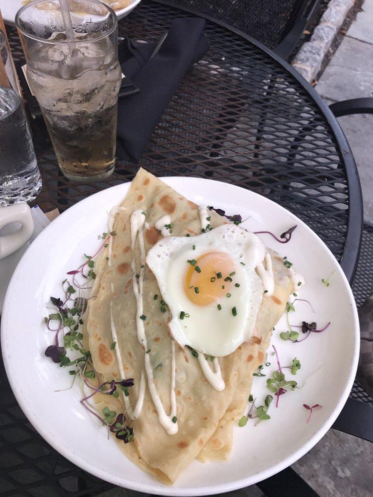 Cachette Bistro & Creperie: 504 Main St, Bethlehem, PA