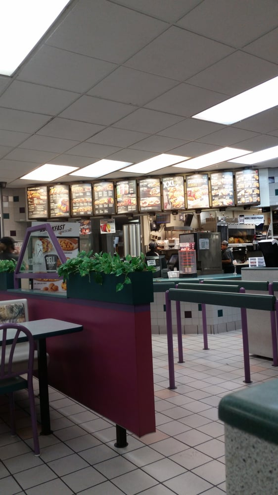 Taco Bell: 3906 S Memorial Drive, Winterville, NC