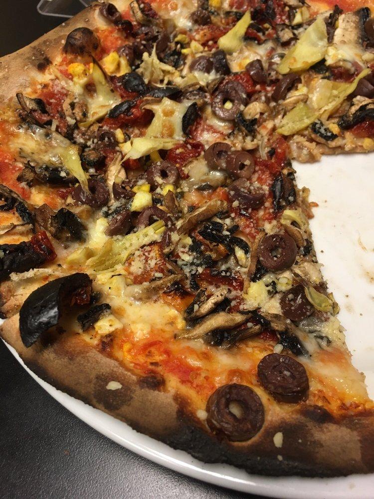 Amato's Woodfired Pizza: 6 S Sandusky St, Delaware, OH