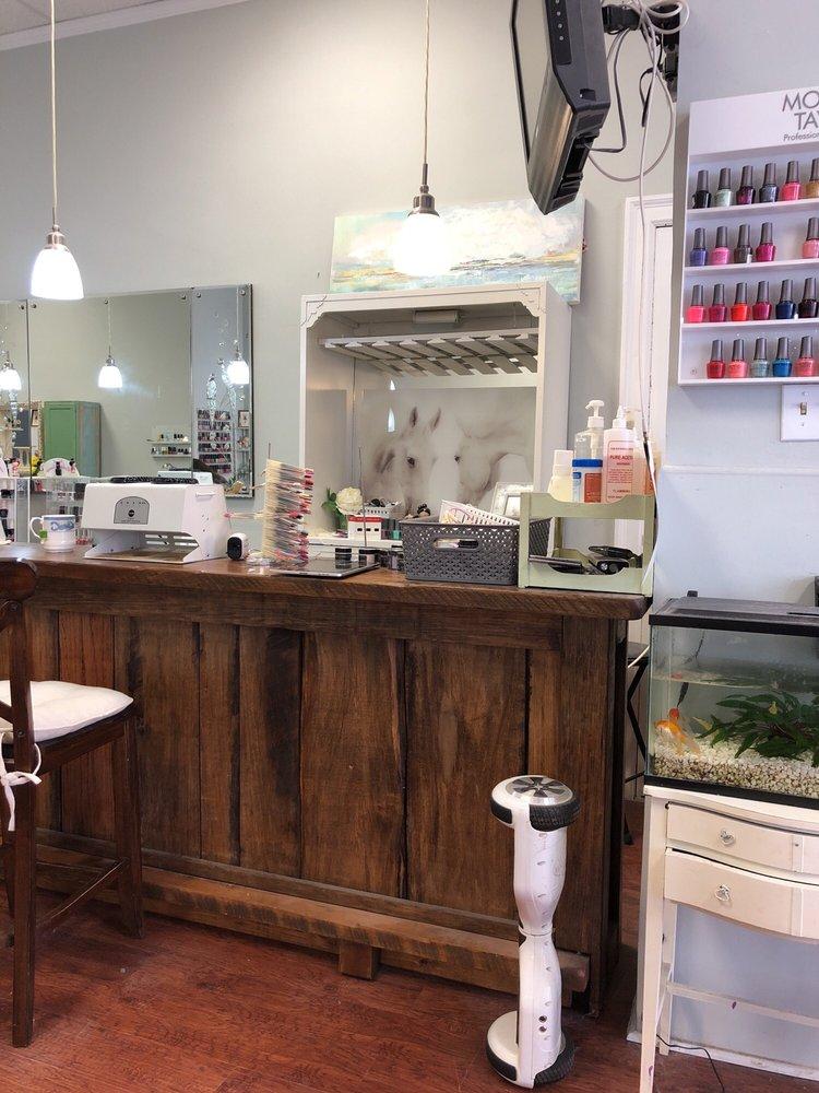 Chic Nail & Spa: 116 S South St, Gastonia, NC