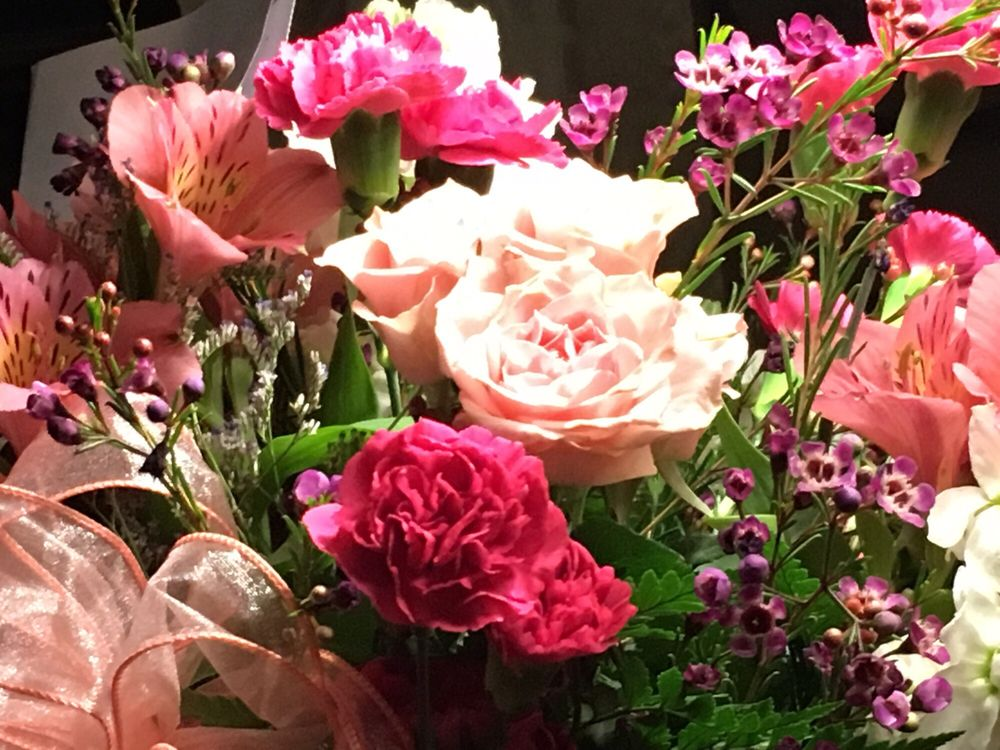 Sunshine Flowers & Gifts: 2 N Broadway, Gloucester City, NJ
