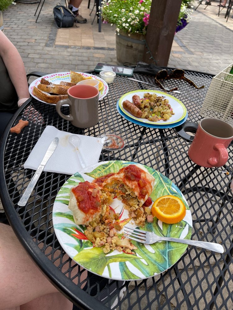 Heart & Soul Bakery & Cafe: 27 E Pine St, Pinedale, WY