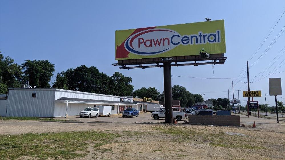 Pawn Central: 1532 Camanche Ave, Clinton, IA