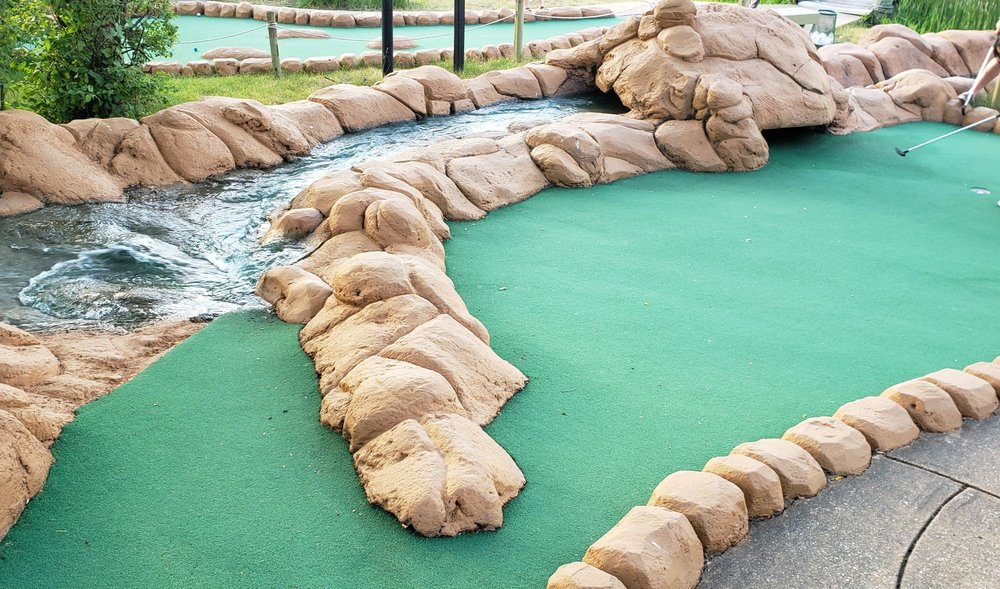 Lost Mountain Adventure Golf: 1535 75th St, Woodridge, IL
