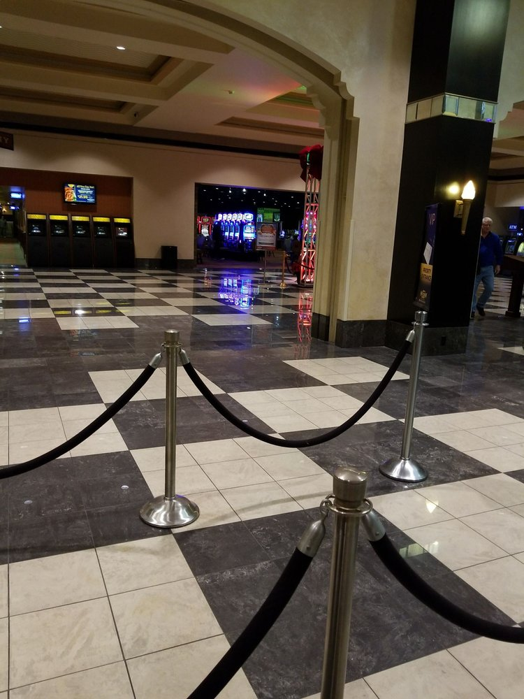 Mountaineer Casino Racetrack & Resort: 1420 Mountaineer Cir, New Cumberland, WV